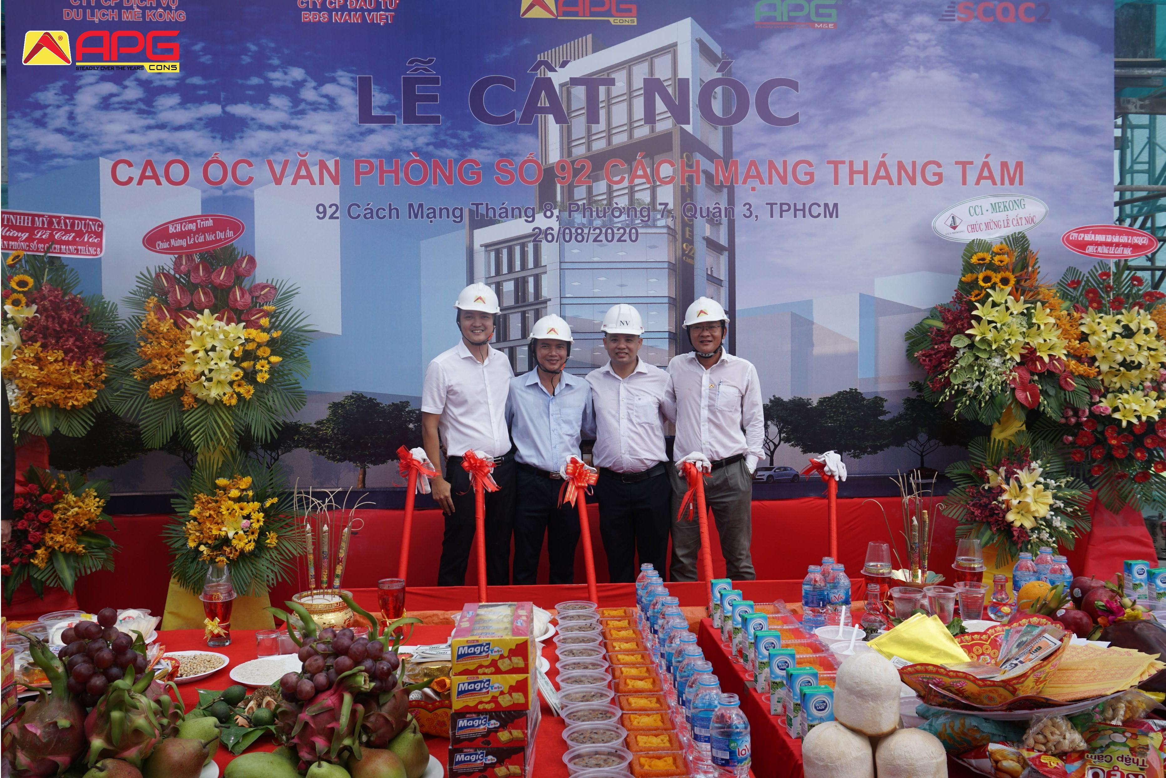 The topping out ceremony of No. 92 Cach Mang Thang 8 office building Project